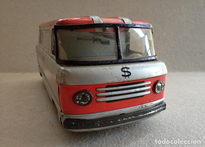 Juguetes antiguos de hojalata: furgon blindado hucha armored car savings bank hayashi japan antiguo años 60 - Foto 3 - 172009564