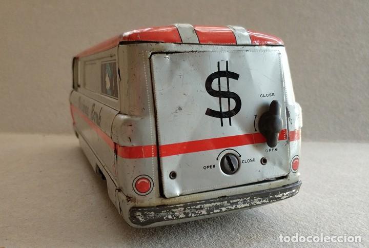 Juguetes antiguos de hojalata: furgon blindado hucha armored car savings bank hayashi japan antiguo años 60 - Foto 4 - 172009564
