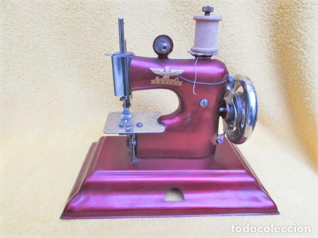 Juguetes antiguos de hojalata: Máquina de Coser Casige juguete Germany - Foto 4 - 172121822
