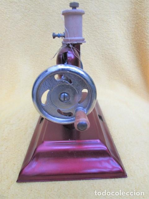 Juguetes antiguos de hojalata: Máquina de Coser Casige juguete Germany - Foto 8 - 172121822