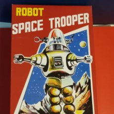 Juguetes antiguos de hojalata: ROBOT SPACE TROOPER. Lote 172153887