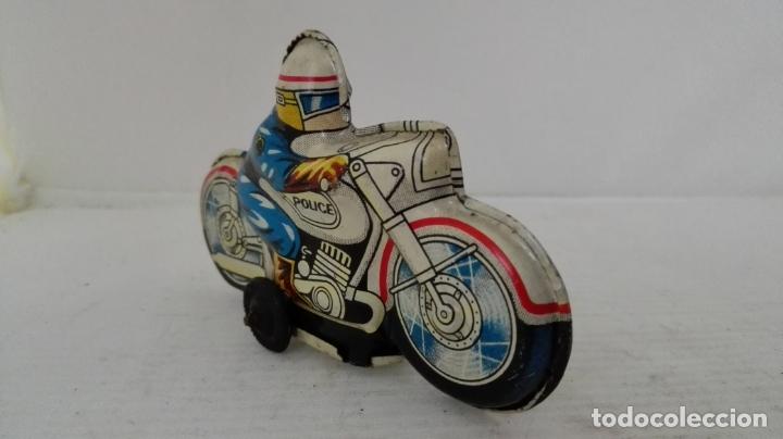 Juguetes antiguos de hojalata: MOTO HOJALATA POLICIA, MADE IN JAPAN, MEDIDAS 10 X 6 X 3 CM - Foto 3 - 54885567