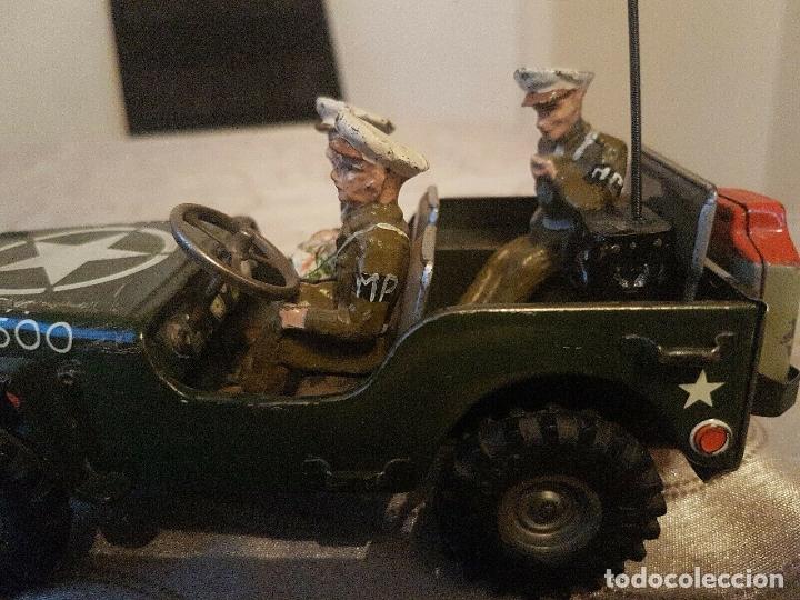 Juguetes antiguos de hojalata: antiguo coche hojalata Arnold Militär Jeep Made in Western Germany 17 cm. 980,00 € - Foto 2 - 172630759
