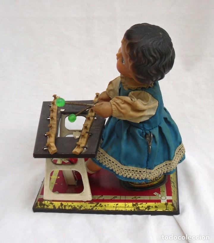 Juguetes antiguos de hojalata: juguete de hojalata made en china de los años 70 - Foto 2 - 173037124