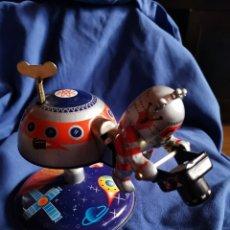 Juguetes antiguos de hojalata: BASE LUNAR MARS-10,DE HOJALATA. Lote 173092703