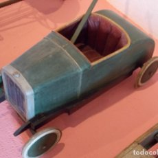 Juguetes antiguos de hojalata: COCHE DE MADERA. Lote 173793422