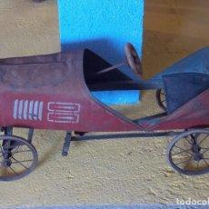 Juguetes antiguos de hojalata: COCHE DE HOJALATA. Lote 173885662