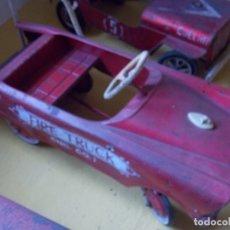 Juguetes antiguos de hojalata: COCHE DE HOJALATA. Lote 173885800