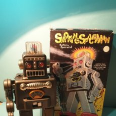 Juguetes antiguos de hojalata: ROBOT SMOKING SPACEMAN TR2011 HAHA TOY - 30 CM - HUMO. Lote 174260177