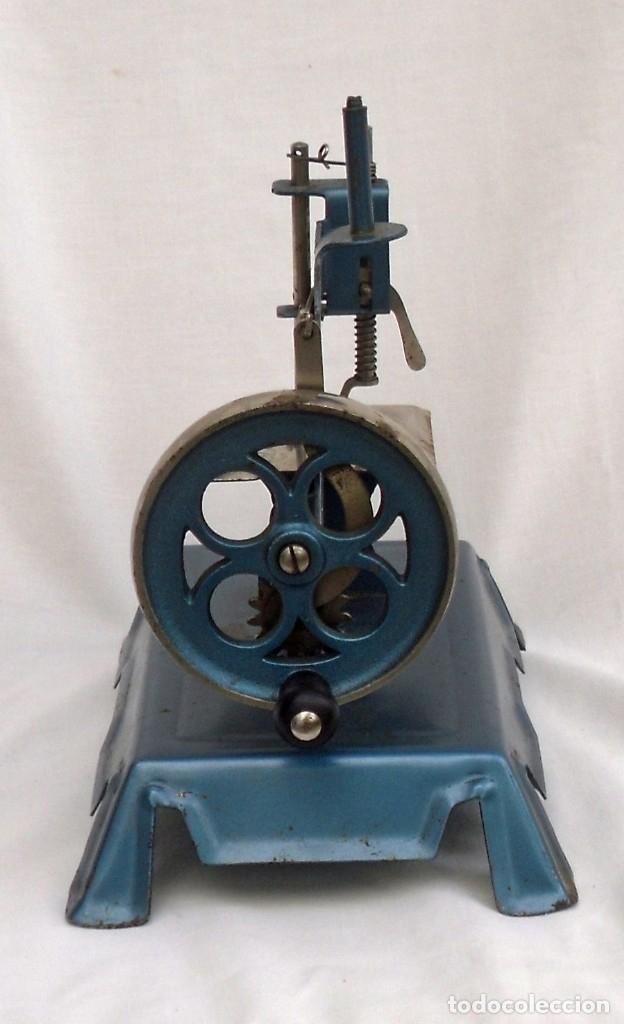 Juguetes antiguos de hojalata: maquina de coser marca francesa - Foto 3 - 175226904