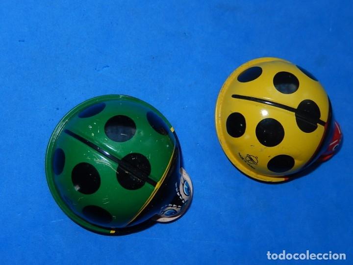 Juguetes antiguos de hojalata: Dos mariquitas de hojalata. Fabricadas en Japón. - Foto 4 - 175507443