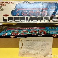 Juguetes antiguos de hojalata: LOCOMOTORA. LOCOMOTIVE INTERNATIONAL DE HOJALATA. NUEVA. FRICCIÓN. Lote 176160530