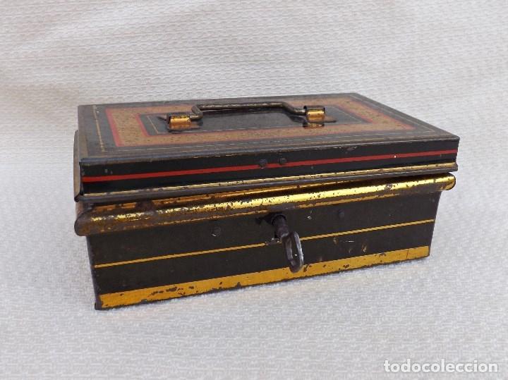 Juguetes antiguos de hojalata: CAJA DE CAUDALES MADE IN ENGLAND 15X9 - Foto 2 - 176304067