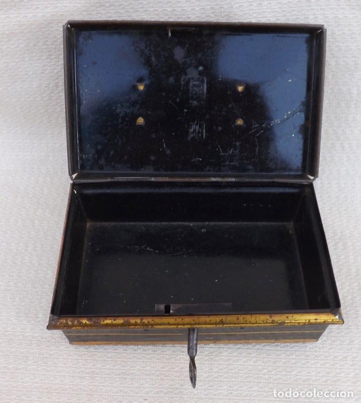 Juguetes antiguos de hojalata: CAJA DE CAUDALES MADE IN ENGLAND 15X9 - Foto 5 - 176304067