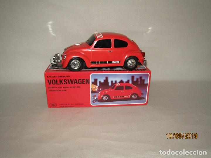 Juguetes antiguos de hojalata: Antiguo Volskswagen Beetle Eléctrico de MASUDAYA Fabricado en Japón - Año 1960-70s. - Foto 3 - 176304284