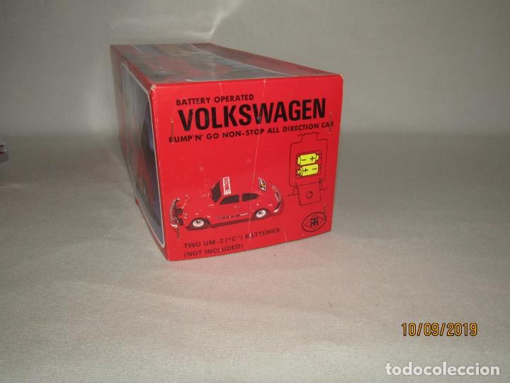 Juguetes antiguos de hojalata: Antiguo Volskswagen Beetle Eléctrico de MASUDAYA Fabricado en Japón - Año 1960-70s. - Foto 5 - 176304284