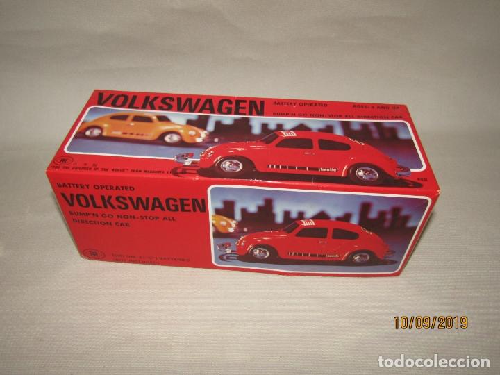 Juguetes antiguos de hojalata: Antiguo Volskswagen Beetle Eléctrico de MASUDAYA Fabricado en Japón - Año 1960-70s. - Foto 7 - 176304284