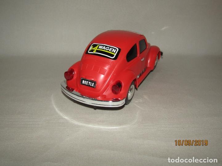 Juguetes antiguos de hojalata: Antiguo Volskswagen Beetle Eléctrico de MASUDAYA Fabricado en Japón - Año 1960-70s. - Foto 8 - 176304284