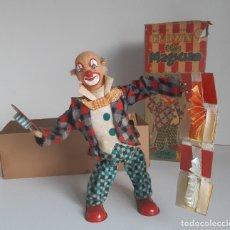 Brinquedos antigos de folha-de-Flandres: CLOWN THE MAGICIAN, JUGUETE DE HOJALATA JAPONES, AÑOS 50, FUNCIONA !. Lote 112690395