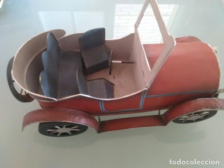 Juguetes antiguos de hojalata: Coche Chevrolet 1927 - Foto 2 - 176629902