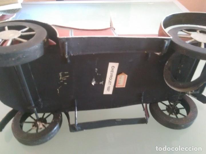 Juguetes antiguos de hojalata: Coche Chevrolet 1927 - Foto 4 - 176629902