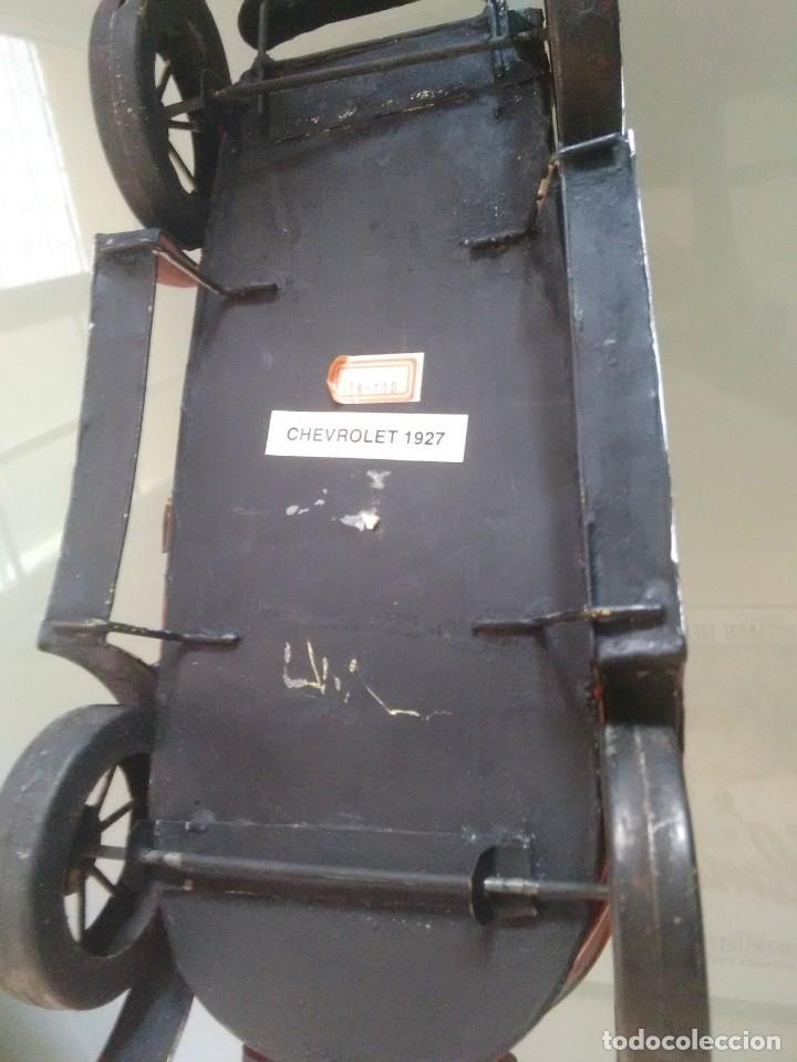 Juguetes antiguos de hojalata: Coche Chevrolet 1927 - Foto 5 - 176629902