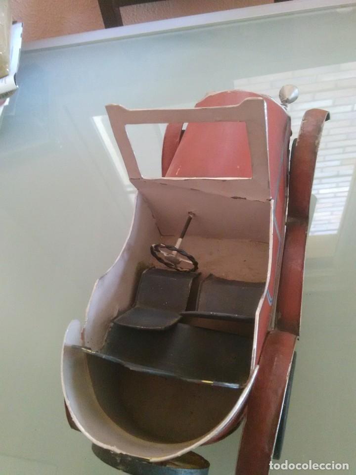 Juguetes antiguos de hojalata: Coche Chevrolet 1927 - Foto 11 - 176629902