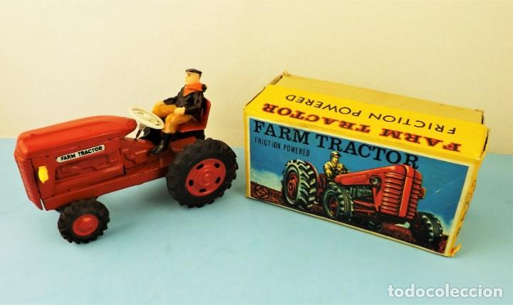 Juguetes antiguos de hojalata: Antiguo tractor made in Japan - Foto 2 - 176778604