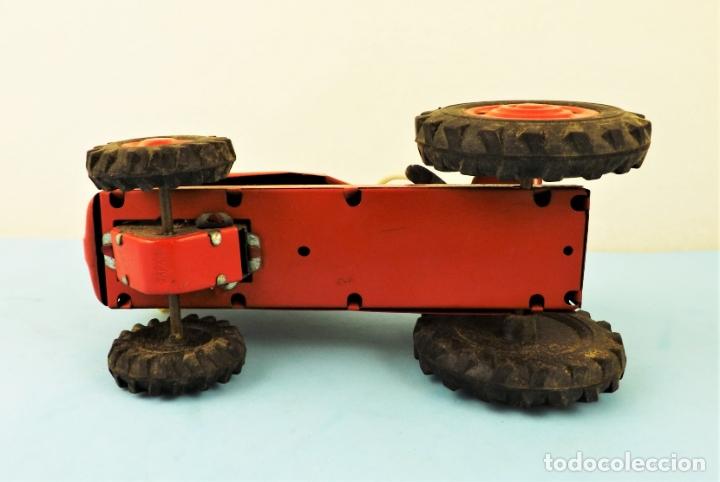 Juguetes antiguos de hojalata: Antiguo tractor made in Japan - Foto 8 - 176778604
