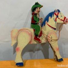 Juguetes antiguos de hojalata: JINETE A CABALLO MADERA DENIA AÑOS 40-50. Lote 177613184