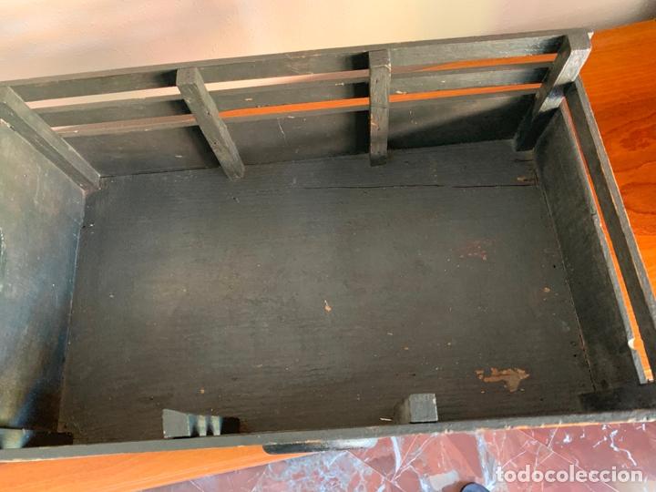 Juguetes antiguos de hojalata: CAMION MERCEDES L-6600 DE 1949 86 CMS MADERA DENIA BARCELONA - Foto 11 - 178111732