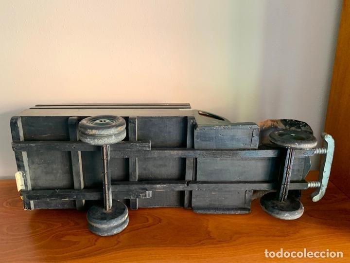 Juguetes antiguos de hojalata: CAMION MERCEDES L-6600 DE 1949 86 CMS MADERA DENIA BARCELONA - Foto 19 - 178111732