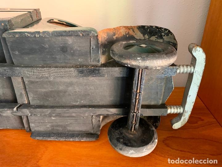 Juguetes antiguos de hojalata: CAMION MERCEDES L-6600 DE 1949 86 CMS MADERA DENIA BARCELONA - Foto 21 - 178111732