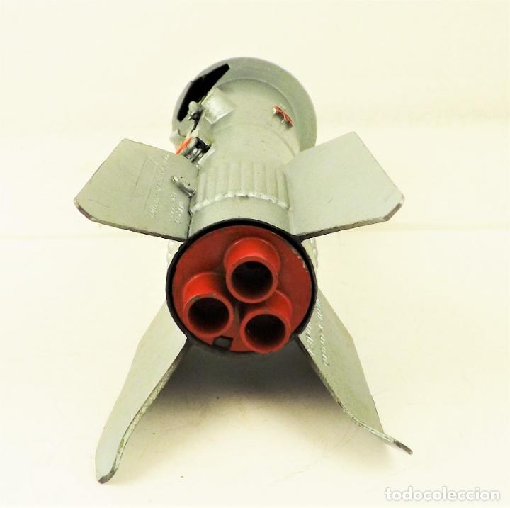 Juguetes antiguos de hojalata: Cohete Banco Miranda (USA) Hucha - Foto 6 - 178198516