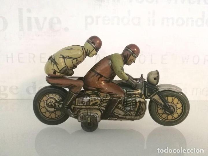 Juguetes antiguos de hojalata: Antigua moto alemana a cuerda CKO KELLERMANN, SOCIUS 353. Buen estado. Funcionamiento perfecto. - Foto 2 - 180251175