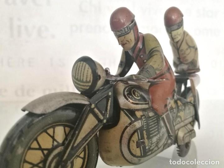 Juguetes antiguos de hojalata: Antigua moto alemana a cuerda CKO KELLERMANN, SOCIUS 353. Buen estado. Funcionamiento perfecto. - Foto 3 - 180251175