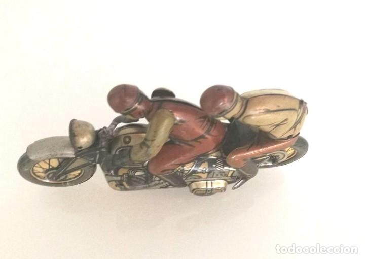 Juguetes antiguos de hojalata: Antigua moto alemana a cuerda CKO KELLERMANN, SOCIUS 353. Buen estado. Funcionamiento perfecto. - Foto 5 - 180251175