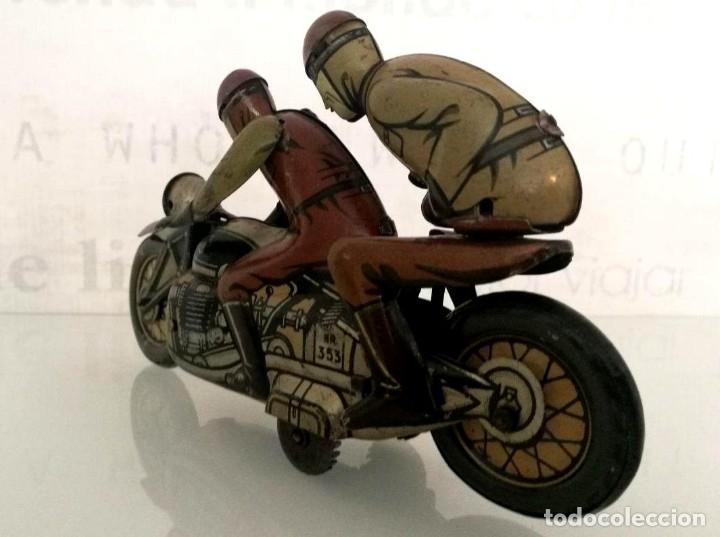Juguetes antiguos de hojalata: Antigua moto alemana a cuerda CKO KELLERMANN, SOCIUS 353. Buen estado. Funcionamiento perfecto. - Foto 8 - 180251175