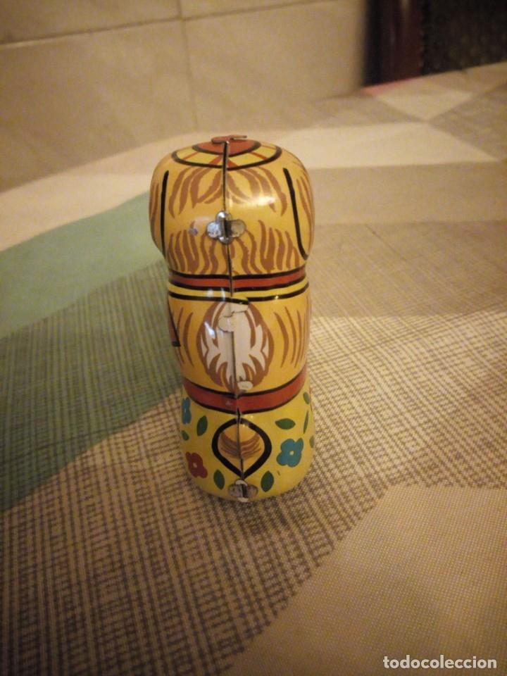 Juguetes antiguos de hojalata: perro con pelota de hojalata,a cuerda,litografiado. años 90 - Foto 3 - 180283198