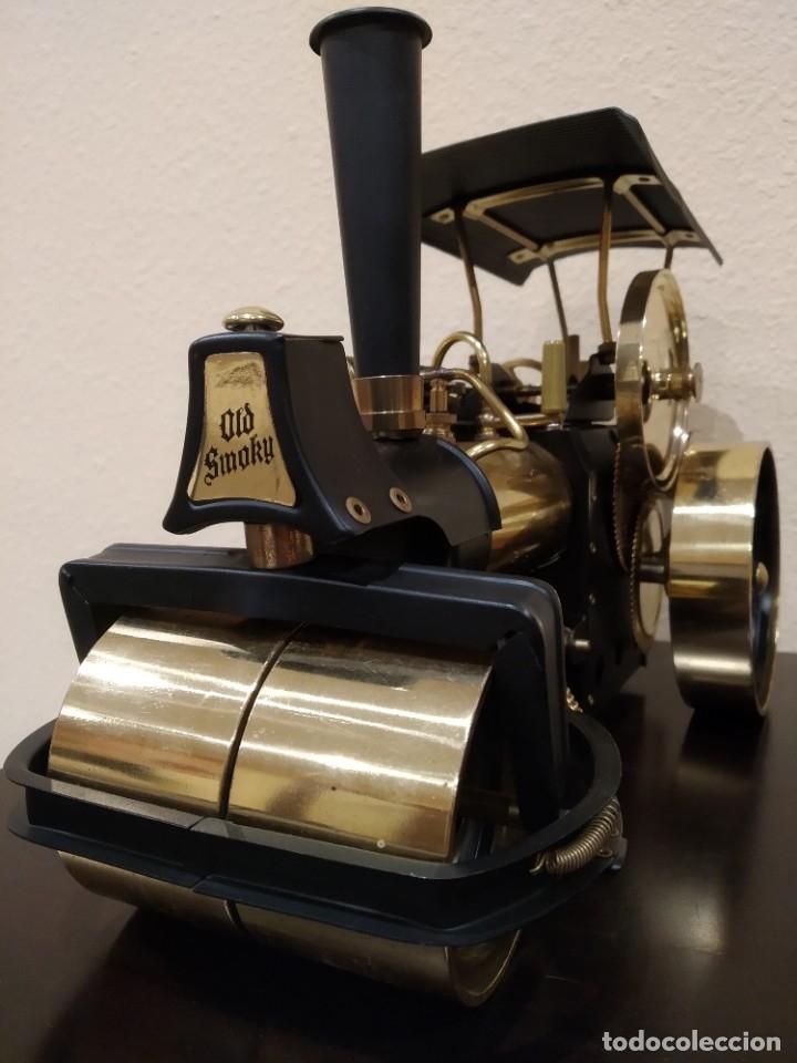 Juguetes antiguos de hojalata: APISONADORA A VAPOR OLD SMOKY D366 + CARRO REMOLQUE DE AGUA A386 -WILESCO- - Foto 4 - 181006782