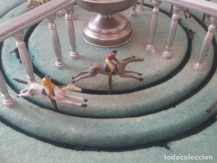 Juguetes antiguos de hojalata: ENORME ANTIGUO JUEGO CARRERAS CABALLOS AÑO 1910 CAJA MADERA NOBLE GRAN TAMAÑO 51X51 cm .2710.00 EUR. - Foto 7 - 181430765