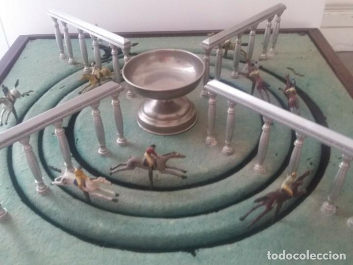 Juguetes antiguos de hojalata: ENORME ANTIGUO JUEGO CARRERAS CABALLOS AÑO 1910 CAJA MADERA NOBLE GRAN TAMAÑO 51X51 cm .2710.00 EUR. - Foto 8 - 181430765