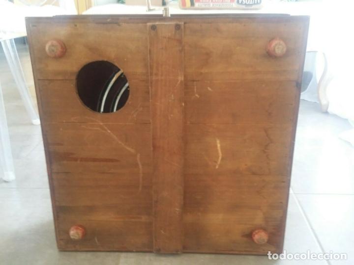 Juguetes antiguos de hojalata: ENORME ANTIGUO JUEGO CARRERAS CABALLOS AÑO 1910 CAJA MADERA NOBLE GRAN TAMAÑO 51X51 cm .2710.00 EUR. - Foto 11 - 181430765