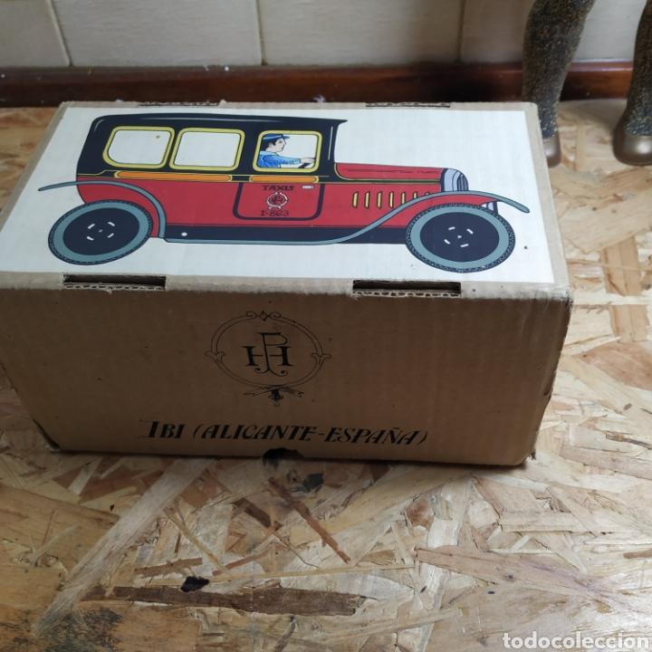 Juguetes antiguos de hojalata: 2 coches históricos de paya - Foto 7 - 182175925