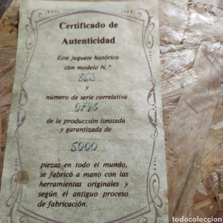 Juguetes antiguos de hojalata: 2 coches históricos de paya - Foto 11 - 182175925
