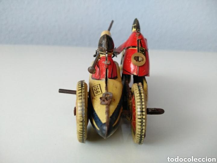 Juguetes antiguos de hojalata: SFA PARIS, ANTIGUA MOTO CON SIDECAR. HOJALATA Y CUERDA - Foto 3 - 151836542