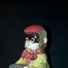 Juguetes antiguos de hojalata: MONO A CUERDA SCHUCO. Lote 183024543