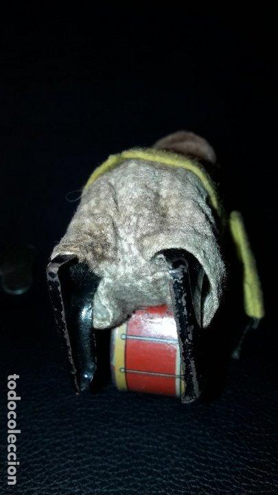 Juguetes antiguos de hojalata: MONO A CUERDA SCHUCO - Foto 6 - 183024543