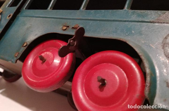 Juguetes antiguos de hojalata: PRECIOSO AUTOCAR FRANCES A CUERDA - FUNCIONANDO - JUGUETE ANTIGUO DE HOJALATA - Foto 7 - 183092530