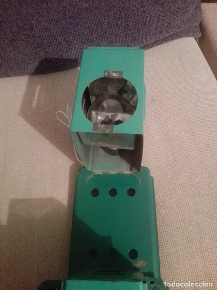 Juguetes antiguos de hojalata: Antiguo Proyector cine nic verde - Foto 5 - 183859273